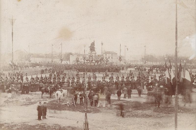 Photographie de l'inauguration de la statue de La Défense de Paris en 1883, Archives de Puteaux, non coté.